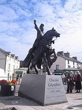 Owain Glyndwr (Machynlleth).jpg