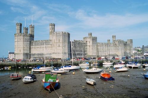 Caernarfon_Castle_1994.jpg
